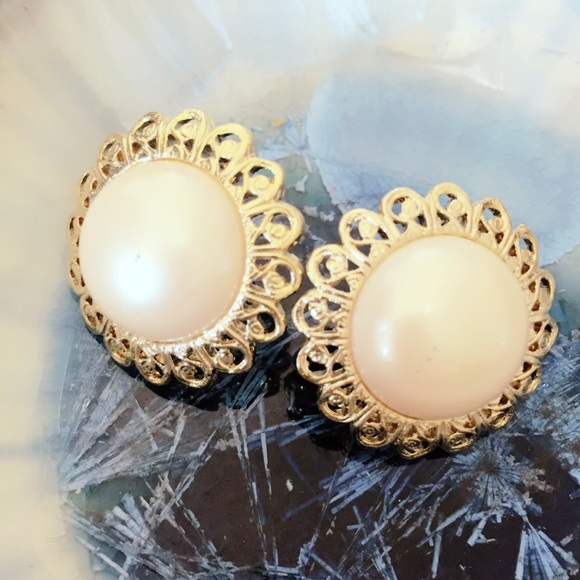 Vintage Jewelry - Ivory and Gold Tone Clip On Earrings